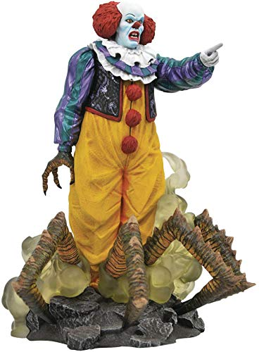 DIAMOND SELECT TOYS Gallery: IT 1990 Pennywise PVC Statue...