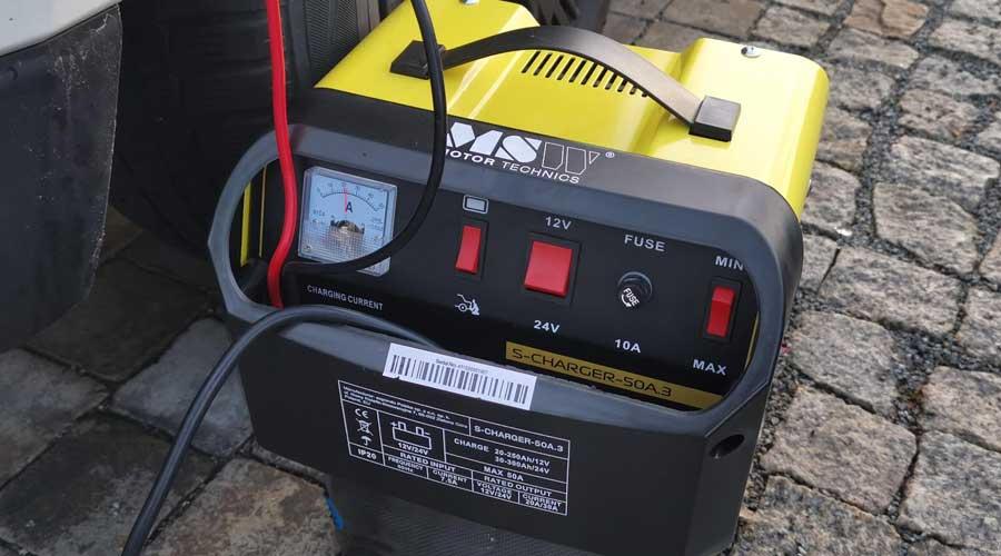MSW Autobatterie Ladegerät